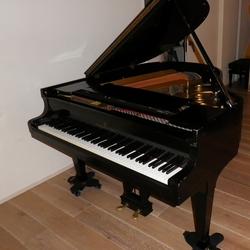 on Steinway S-155 #287,XXX ハンブルグ製 下取りピアノ
